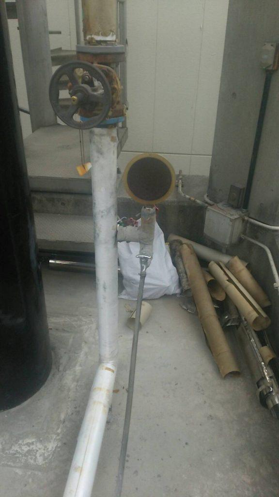 各所での保温板金工事の施工前写真